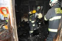 Jen na území hlavního města hořelo během loňských vánočních svátků čtyřiadvacetkrát, připomněla Pavlína Adamcová z centrály pražských hasičů.
