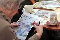 Seniorské desatero jsou rady, které připravil Pražský deník pro své čtenáře ve spolupráci s Policií České republiky. Srozumitelnost a grafické zpracování desatera se pražským policistům natolik líbilo, že ho nyní rozdávají seniorům po celé Praze.