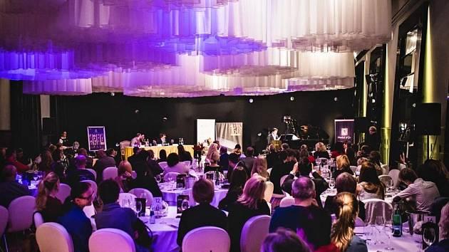 Sál Opera hotelu Boscolo Prague, kde se koná soutěž Pianista roku.