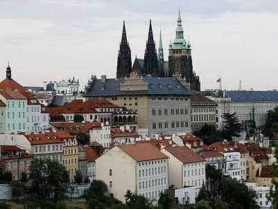 Krása Prahy turisty neustále láká.