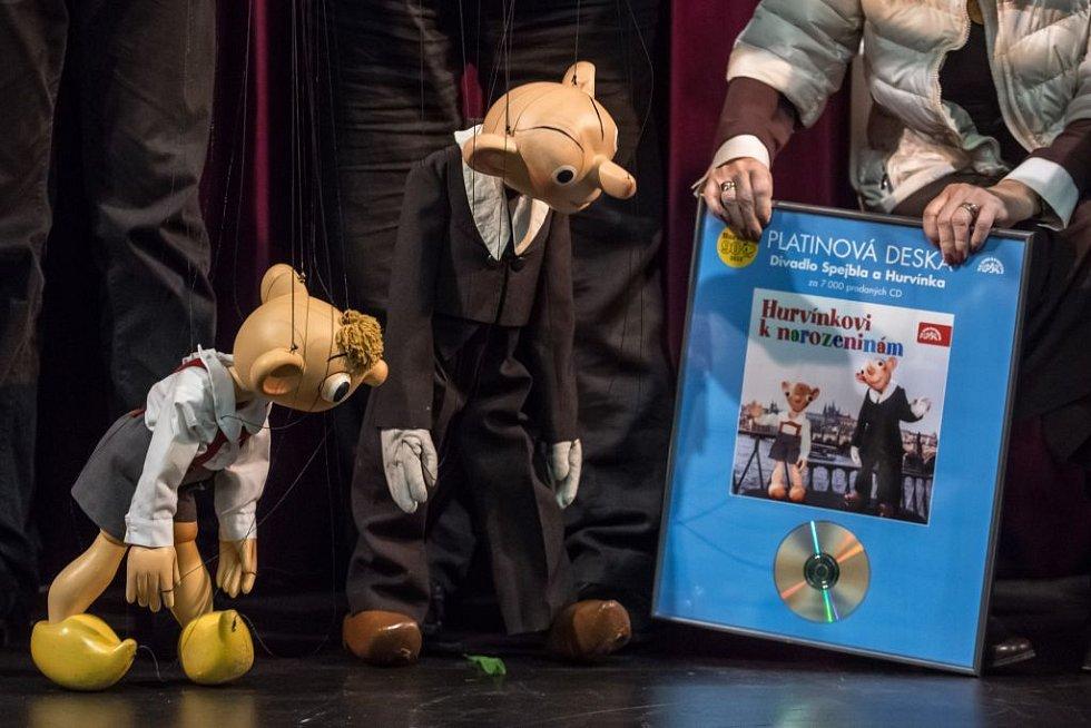 Oslavy devadesátin slavné loutkové postavy, Hurvínka v roce 2016. Loutky Spejbla a Hurvínka se staly čestnými členy Herecké asociace.