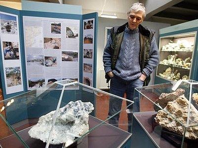 Kolekce minerálů a fosílií vznikla především spojením soukromých sbírek Jiřího Rumla (na snímku) a Mgr. Lubomíra Thina.