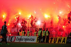 Fotbalové utkání finále MOL Cupu mezi celky SK Slavia Praha a FK Jablonec 9. května v Mladé Boleslavi. Fanoušci Slavie.