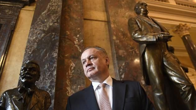 Slovenský prezident Andrej Kiska si prohlédl 29. dubna 2019 při návštěvě Prahy budovu Národního muzea.