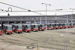 V pražské MHD skončí provoz tramvají T6A5, které poprvé vyjely před 25 lety. Naposledy se vydají na trať v sobotu 19. června 2021 na lince číslo 4.
