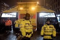 I při oslavách konce roku 2016 museli zasahovat záchranáři a policisté.