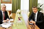 Rektor Univerzity Karlovy Tomáš Zima představil premiérovi Andreji Babišovi (ANO) projekt Kampus Albertov.