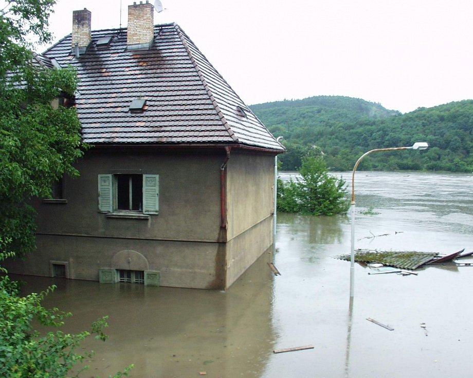 Povodně z roku 2002 v Praze.