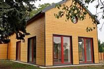 V ekocentru Prales v pražských Kbelích vyrostl dům přírody Dřevák.