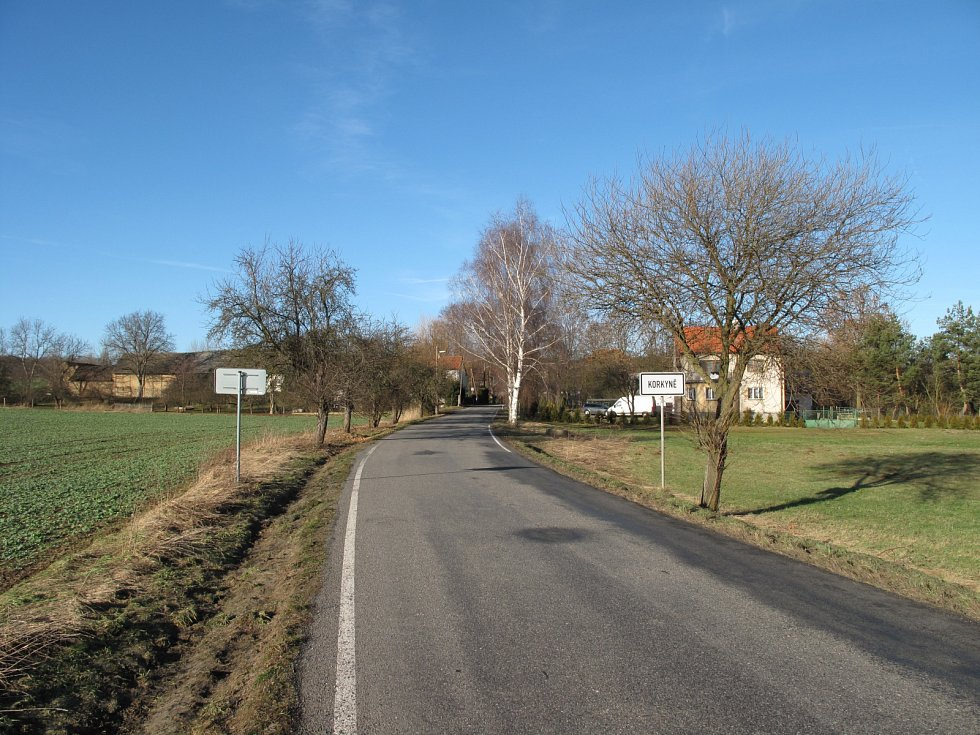 Silnice II. třídy číslo 102. Ilustrační foto.