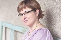 Hana Marková se nadchla pro výrobu kvalitních olejů z českých surovin. Dnes dodává své produkty na farmářské trhy, do obchodů se zdravou výživou i do lékáren.