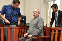 V úterý začal soud se Štefanem Nehillou, který se loni v červenci pokusil zabít svou bývalou ženu a jejího kolegu.