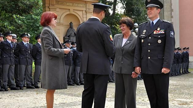 Řady středočeských policistů se v pátek 13. září posílily.