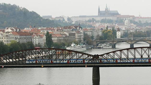 Železniční most na Výtoni.