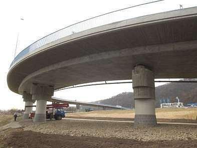 Plánovaný nadjezd souvisí s vybudováním železničního koridoru./Ilustrační foto
