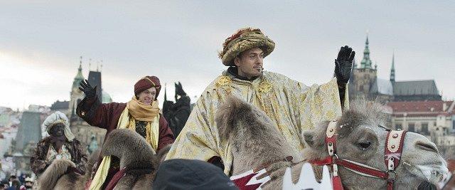Průvod v čele se třemi králi na velbloudech prošel v den svátku Tří králů centrem Prahy.