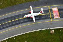 Letadlo typu ATR 42 v barvách ČSA.