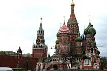 Kreml a chrám Vasila Blaženého v Moskvě.