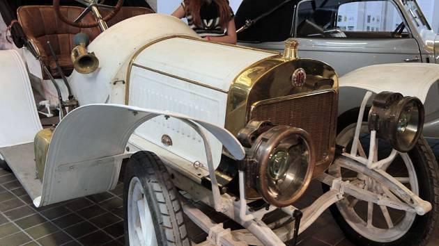Z výstavy v Národním technickém muzeu v Praze u příležitosti 120 let mladoboleslavské automobilky.