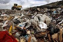 SMUTNÝ PRIMÁT. Ďáblická skládka se stala největší haldou odpadků ve střední Evropě.