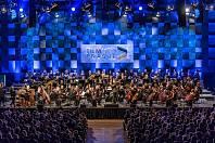 Hosty festivalu Film Music Prague, který se v Praze uskuteční od 1. do 4. února 2019, budou členové kapely Survive.