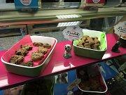Psí cukrárna nabízí dorty i nejrůznější pamlsky