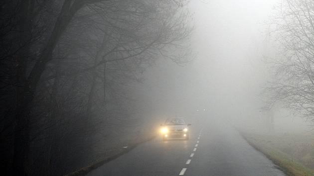 Mlha. Ilustrační foto.