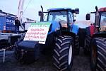 Demonstraci na Letné 16. listopadu 2019 podpořili také sedláci, kteří přijeli do Prahy s traktory.