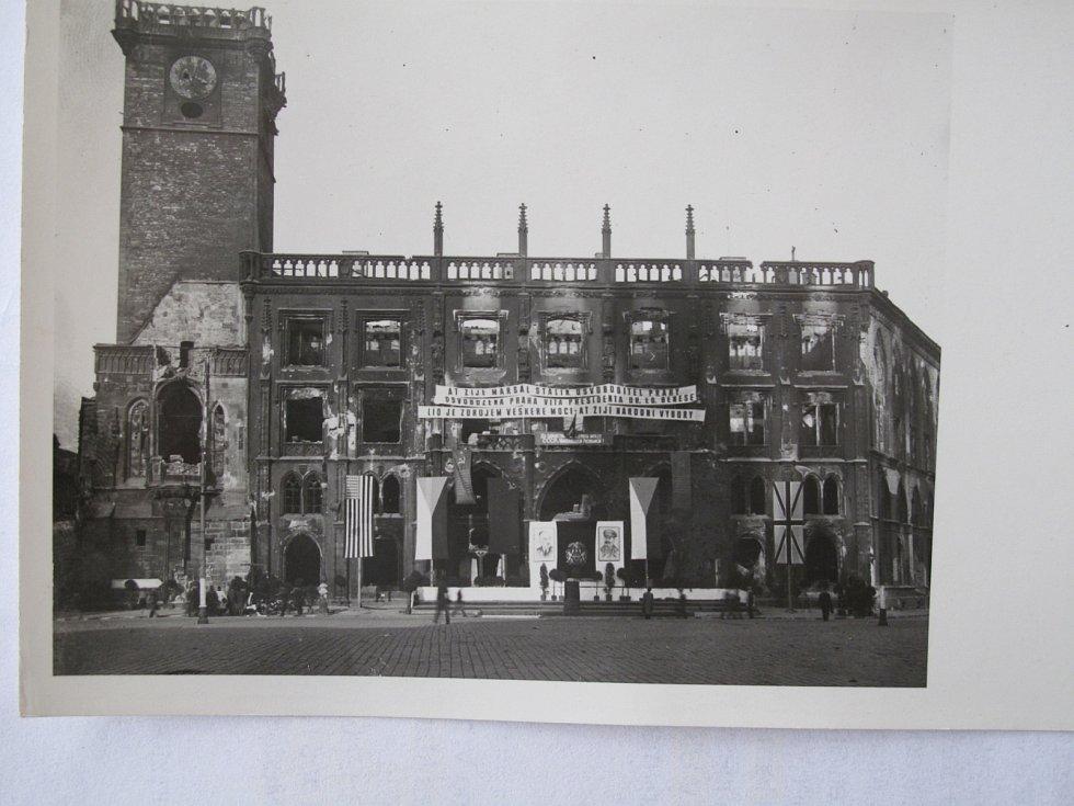 Staroměstská radnice po osvobození.