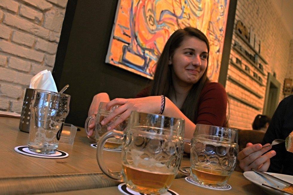 I v Praze  se 3. prosince otevřely restaurace, hospody, obchody nebo kadeřnictví.