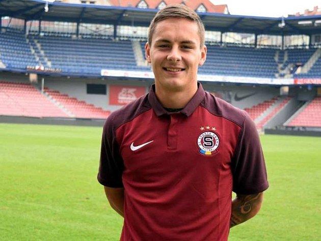 Daniel Holzer v dresu AC Sparta Praha