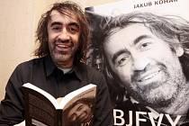 Prezentace knihy režiséra, herce a moderátora Jakuba Koháka Objevy spojená s autogramiádou. Palác knih Luxor 9. února.