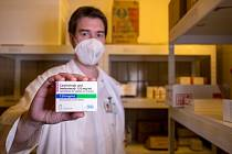 Do Fakultní nemocnice v Motole dorazil lék proti covidu-19 od firmy Regeneron.