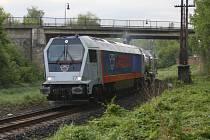 Vlak od lounské společnosti Legios, dnes Heavy Machinery Services. Ilustrační foto