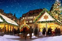 Centrum metropole ozdobí přírodní prvky s živými stromky, bílé střechy prodejních domků navodí zimní atmosféru. Vánoční smrk ozdobí dekorace ve tvaru perníčků a dřevěných luceren.