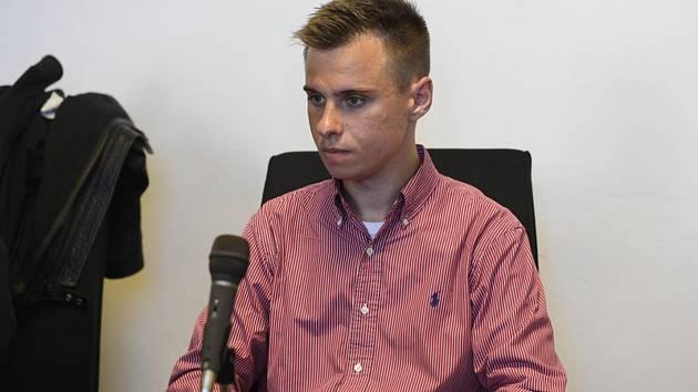 Obžalovaný Marcel Houf u pražského městského soudu, který začal 25. srpna 2020 projednávat jeho případ.