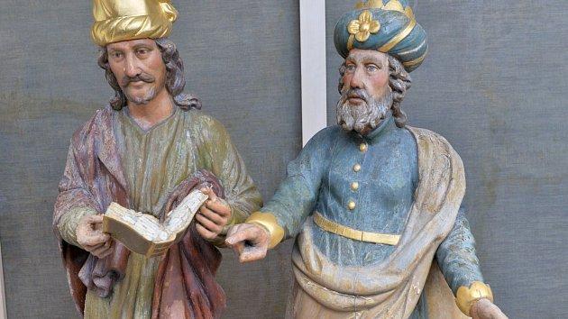 Památkáři chtějí sochám na Pražském orloji uřezat ruce.