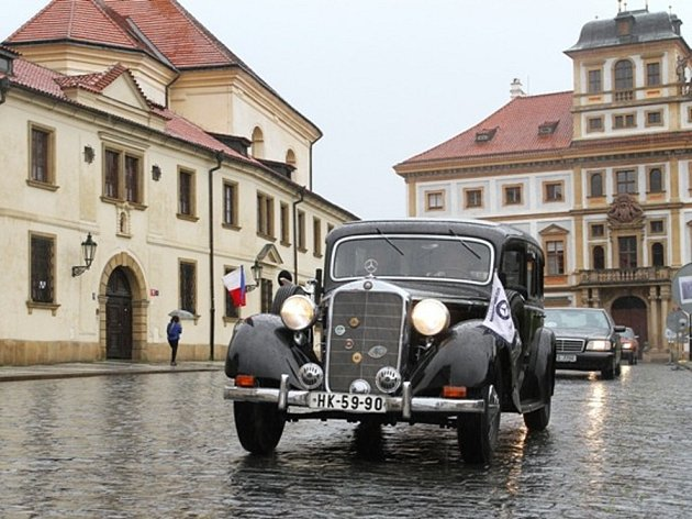 Mercedes-Benz klub ČR oslavil 50 let existence. Mercedes-Benz klub ČR oslavil 50 let existence.