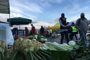 Farmářské trhy na Náplavce.