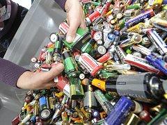 Sběr starých baterií. Ilustrační foto.