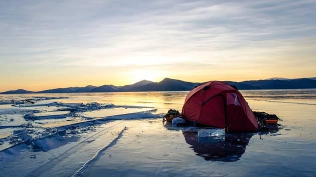 Vydejte se na cestu přes zamrzlý Bajkal.