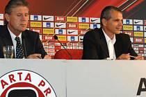 NOVÝ SPORTOVNÍ ŘEDITEL, NOVÝ TRENÉR. Josef Chovanec (vlevo) a Vítězslav Lavička mají být garanty nové sportovní koncepce letenských.