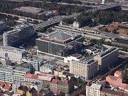 Hotel Hilton v Karlíně. Letecký snímek.