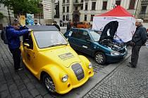 Na Mariánském náměstí v Praze byl 6. května 2010 zahájen Den elektromobility.