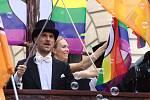 """Primátor Hřib se přidal k podpoře manželství pro gay a lesbické páry podpisem výzvy """"Jsme fér""""."""