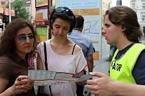 Informátor Michal se španělskými turistkami.