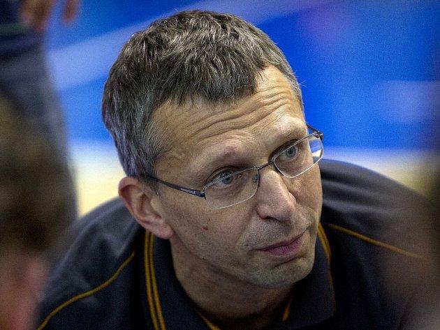TRENÉR basketbalového týmu VŠ Praha Petr Treml.