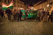 Demonstrace Kurdů proti tureckému útoku v Sýrii.