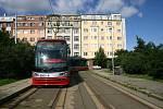 Nová tramvaj ForCity vyjela poprvé na pražské koleje.
