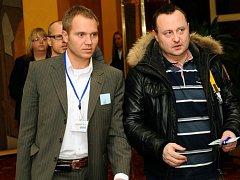 Někdejší starosta Prahy 10 Milan Richter (vlevo) a podnikatel Tomáš Hrdlička ještě jako člen ODS. Před pěti lety občanští demokraté vlivného lobbistu ze svých řad vyloučili.